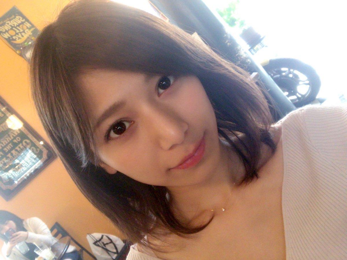 洋服が素敵な菊池梨沙さん