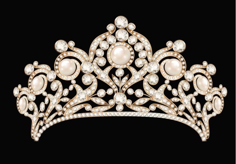 当時、皇太子妃には2つのティアラがありました。